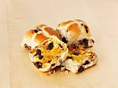 Hot cross buns with chocolate and butter