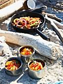 Penne mit Chili & Huhn mit Paprika fürs karibische Picknick am Strand