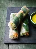 Reispapierrollen mit Gemüsefüllung & Minze