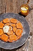 Tarte Tatin mit Kartoffel-Mandel-Boden