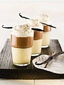 Vanille-Mokka Cremedessert mit Sahne und Vanilleschote