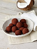 Coconut pralines with dates