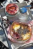 Quark bake with elderberries