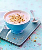 Berry yoghurt soup with cookie crumbs