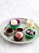 Chocolate bowls for ice cream desserts