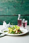 Eichblattsalat mit gebratenem Spargel