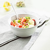Basic muesli with strawberries, bananas and pistacios