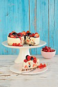 Yoghurt cakes with fresh berries