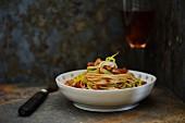 Spaghetti with leek and pork