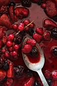 A baked berry salad (close-up)