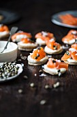 Smoked salmon canapés with capers