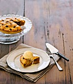 Apfelkuchen mit Vanilleeis
