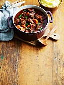 Catalan beef stew with cinnamon and chocolate