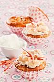 Rhubarb-meringe cupcakes