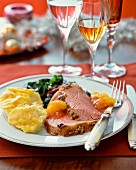 Roast turkey with mashed potatoes and oranges (Christmas)