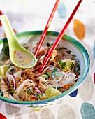 Nudelsalat mit Hähnchen (Thailand)