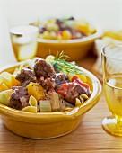 Gemüseeintopf mit Nudeln und Rindfleisch