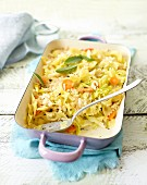 Vegetarian pasta bake with pointed cabbage and carrots