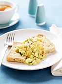 Scrambled egg with bread