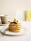 Oat pancakes with banana and honey