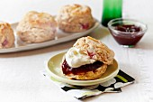 Cinnamon scones with rhubarb jam and clotted cream