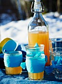 Hot lemonade for a winter picnic
