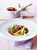 Penne with tomaotes, tuna and olives