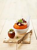 Gefüllte Tomaten mit Ziegenkäse-Chicoree-Salat