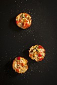 Mini quiches with tomato, egg and courgette
