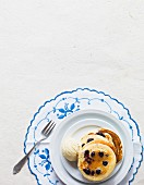 Blueberry pancakes with vanilla ice cream