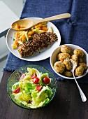 Ernährung bei ADHS: Fisch in Knusperpanade & Fischbällchen mit Salat