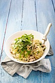 Spaghetti with chicken, coriander and lemon