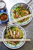 Egg noodles with pork
