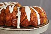 Monkey Bread (caramelised yeast cake with cinnamon and sugar)