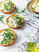Leek tartlets with peas