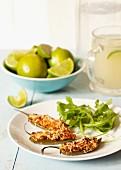 Gefüllte Jalapenos mit Blattsalat und Limettenschnitzen