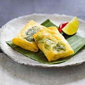 Prawn and herb parcels with chilli peppers and limes (Asia)