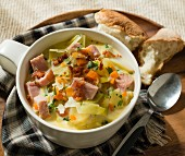 Chowder with leek, ham and carrots