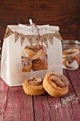 Cinnamon and vanilla muffins