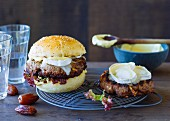 Burgers with goat's cheese and dates
