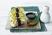 Nigiri-Sushi mit Avocado