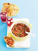 Bohnen mit Tomaten-Salsa