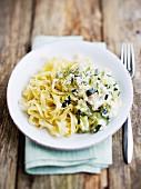 Tagliatelle mit Ricotta und Zucchini