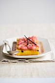 Rhubarb cake with vanilla pods