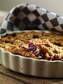 Oat muesli bake with berries