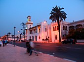 The beach promenade at El Jadida, Morocco – a place to meet in the evenings for locals and tourists alike