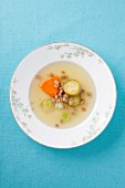 Clear vegetable broth