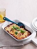 Parmigiana di melanzane (Gratinierter Auberginenauflauf mit Tomatensauce)