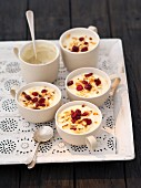 Semolina pudding with almonds and milk