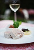Vorspeise mit Pastete im Restaurant des Weinguts Heinrich Spindler in Forst an der Weinstrasse (Rheinland-Pfalz)